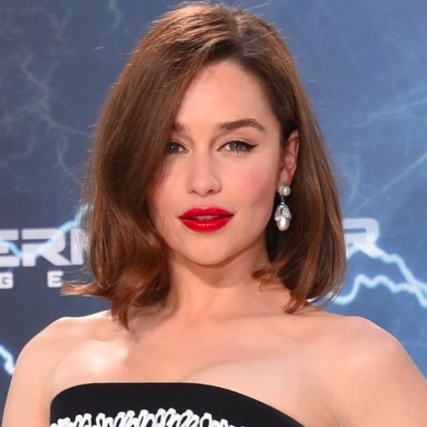 Batom vermelho Emilia Clarke