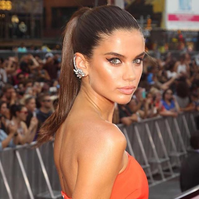 Party look Sara Sampaio