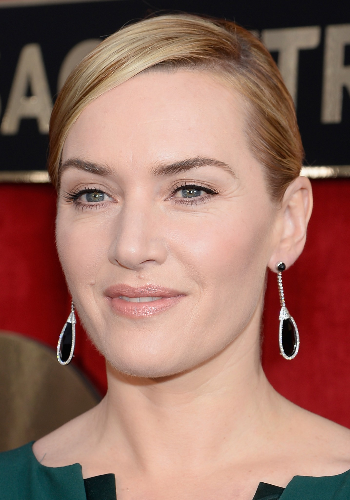 Chignon hairstyle Kate Winslet SAG Awards