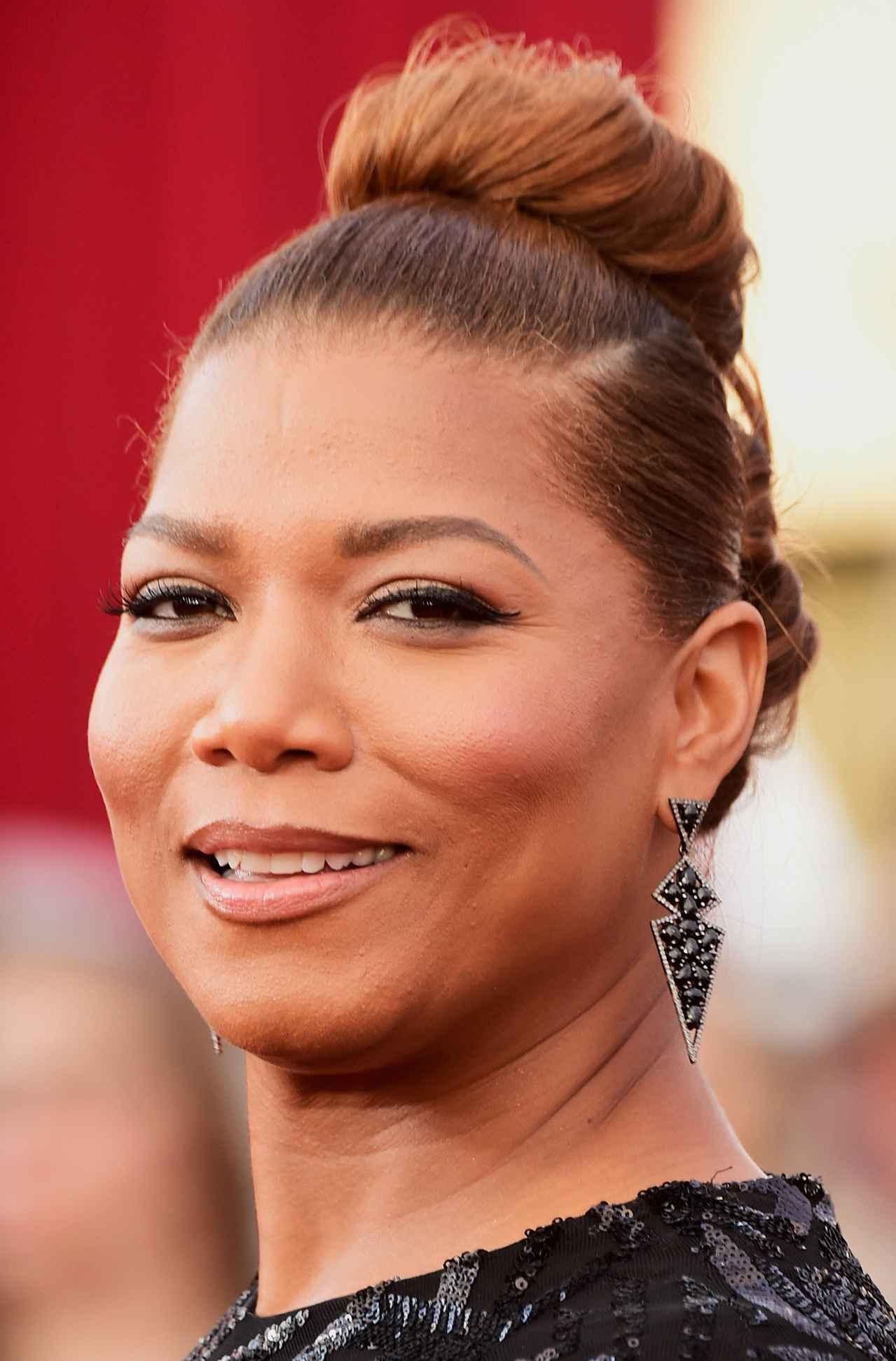 Super high bun Queen Latifah SAG Awards