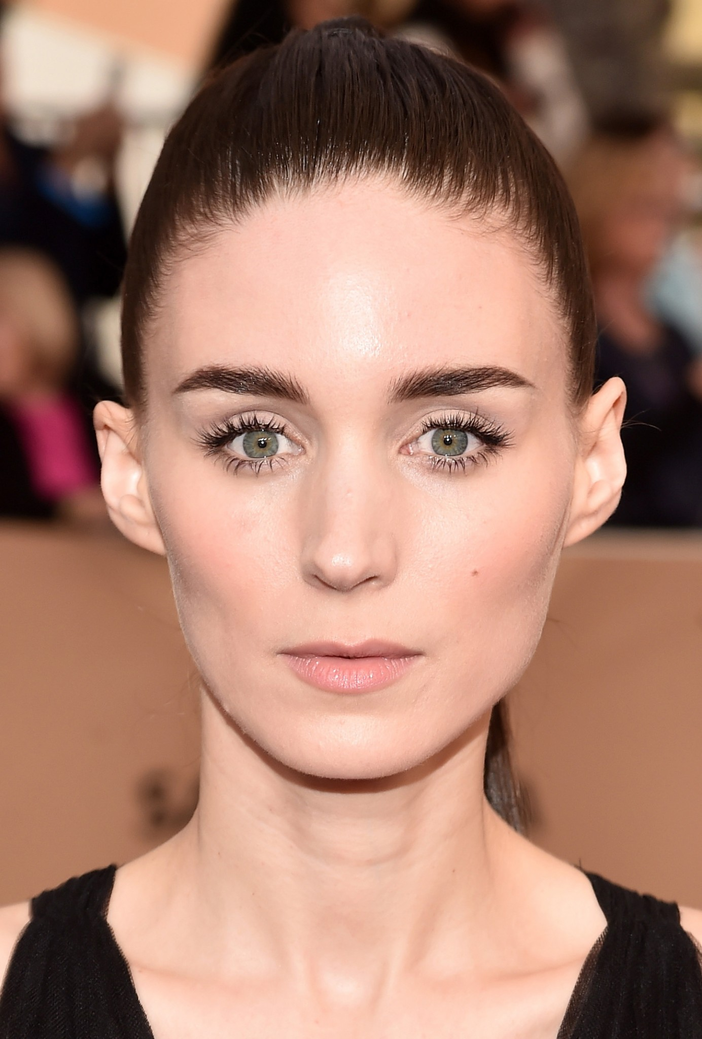 Soft makeup Rooney Mara