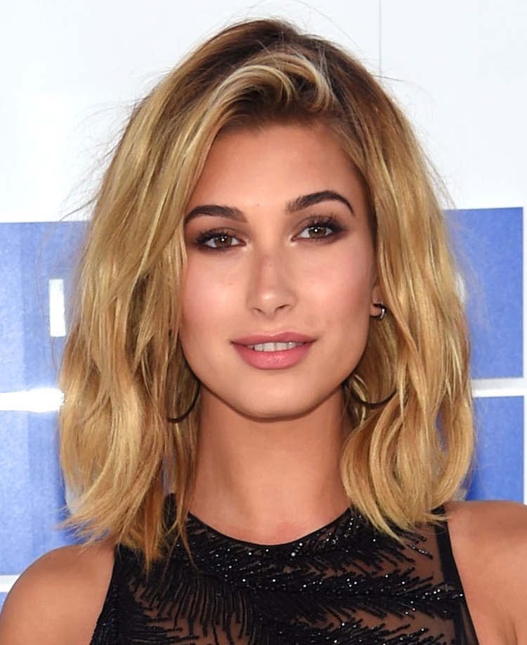 Hailey Baldwin VMA 2016