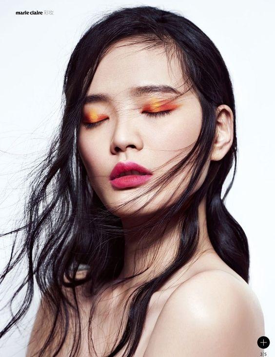 Laranja com pink nos olhos + batom cor de melancia - para quem não tem medo de ousar nas cores da maquiagem!